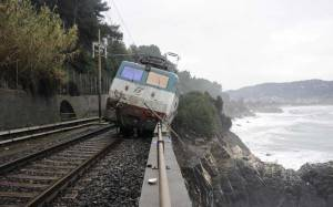 Train derailed in Liguria due to mudslide.